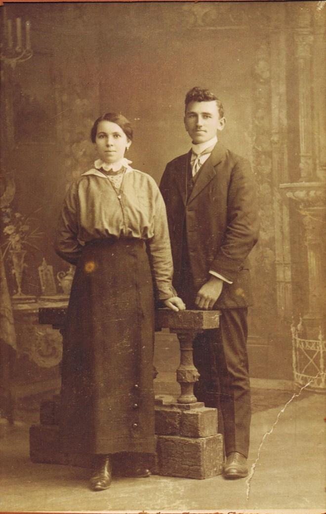 Trees Visschers Geboren 24-4-1891 overleden 13-11-1980 en Sjef Vranken geboren 24-4-1891 overleden 13-11-1980