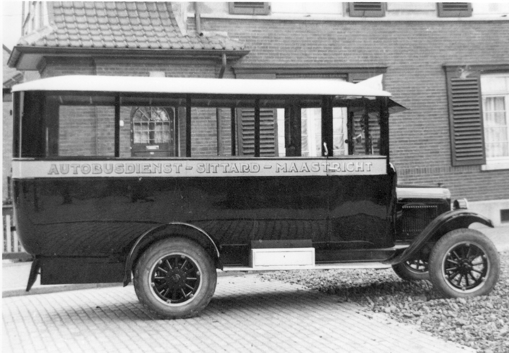 04393 Chevrolet carr. Kusters & Lemmen