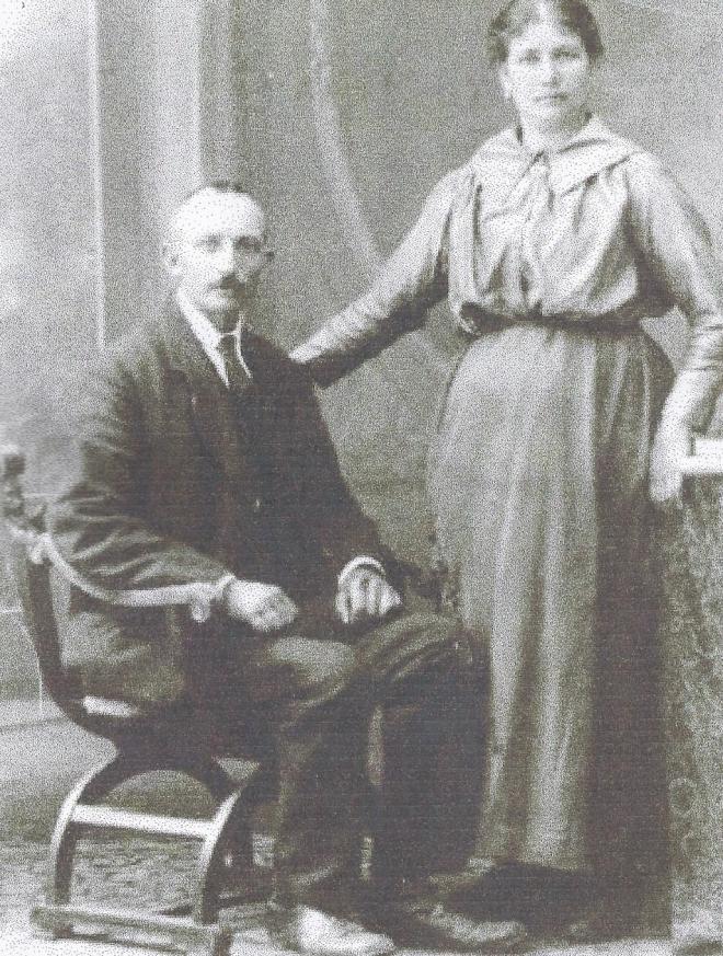 Grootouders Lemmens Elsloo ca 1900_edit