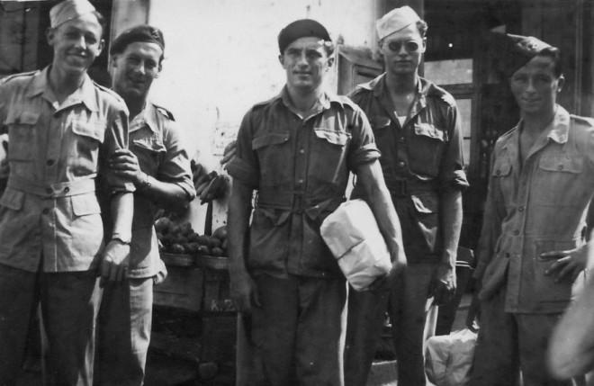 Palembang 29-08-1948 inkopen op de markt